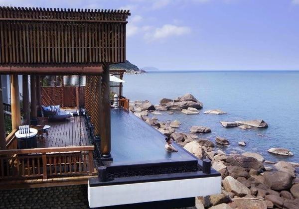 Seaside Villa on the Rocks
