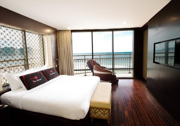 Executive Suite Beach Front