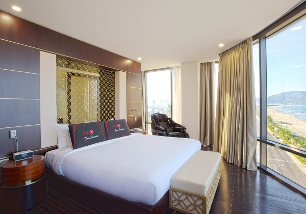 President Suite Beach Front