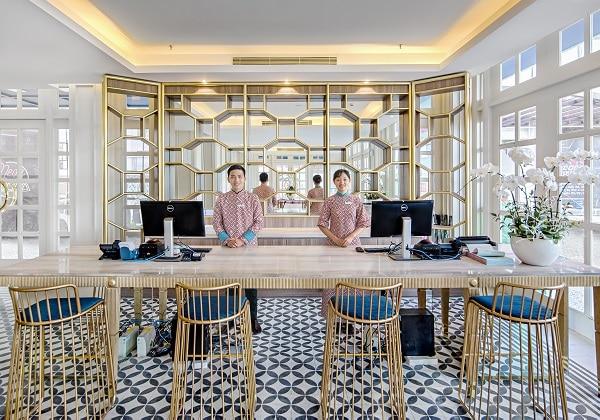 Reception - Bisou Hotel