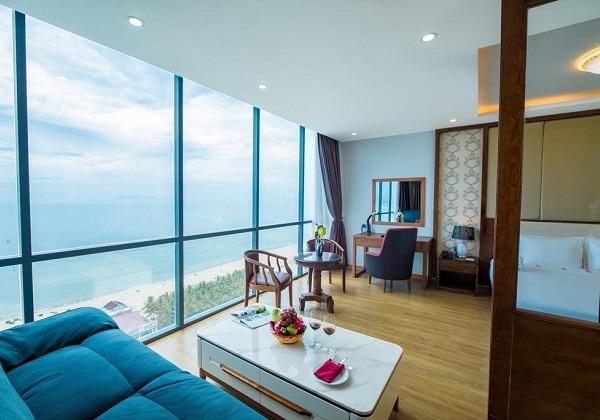 Le Hoang Suite