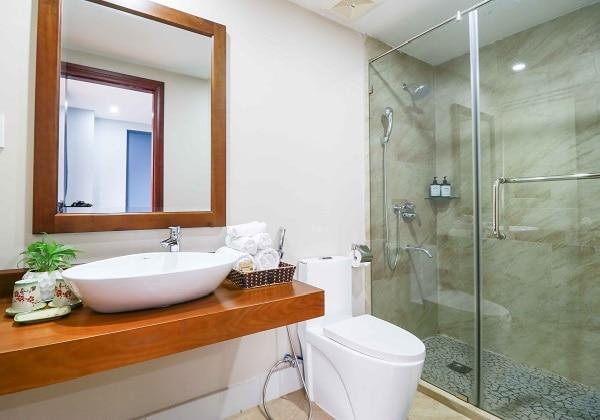 Eco Studio Bathroom