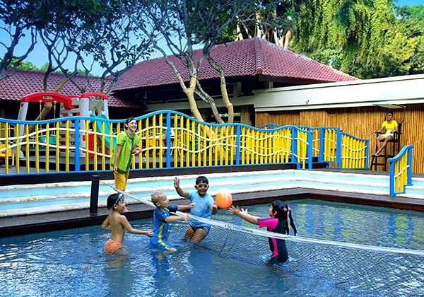 Kids Activity at Pool