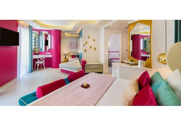 Girls Suite