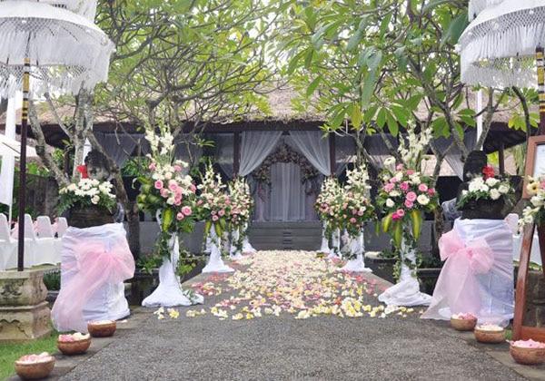 Water Park Gazebo Wedding