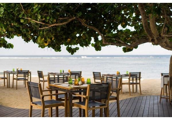 Chess Beachfront Bar