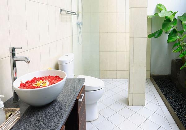 Villa Bathroom