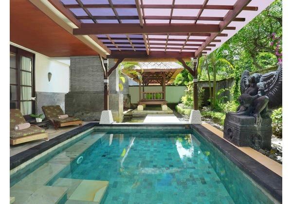 2 Bedroom Suite Pool