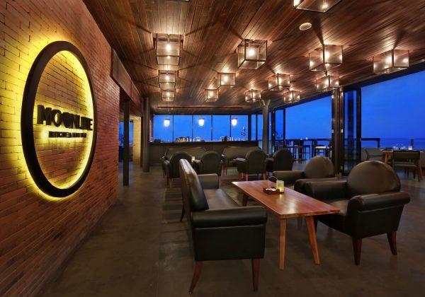 MoonLite Lounge