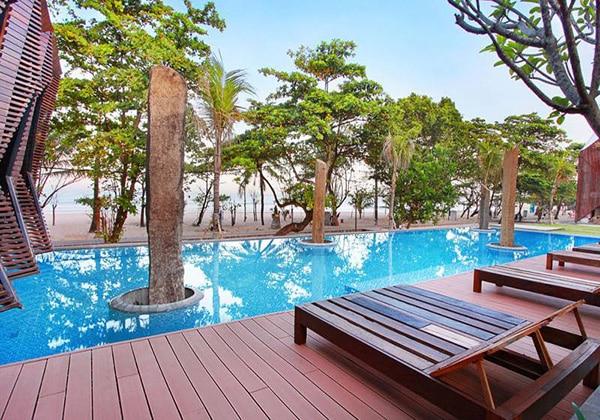 HQ Pool
