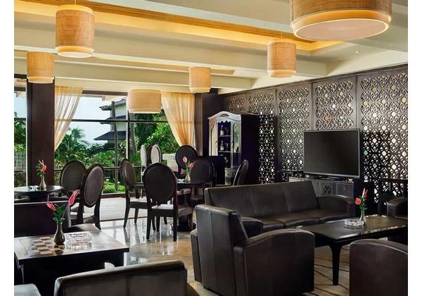 Sunset Lounge