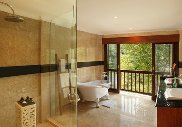 Treetops Suites- Bathroom