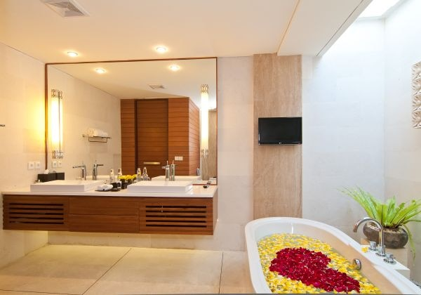 Spacious  Bathroom with Flower Bath