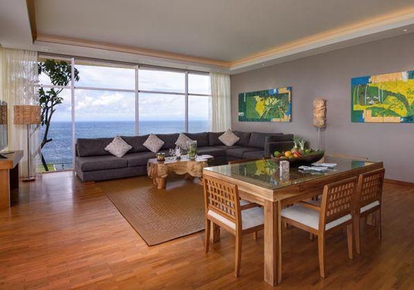 The Penthouse Livingroom