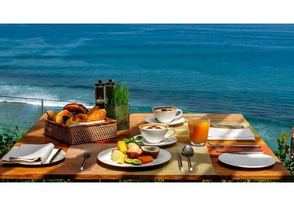 Breakfast at 360 Restaurant