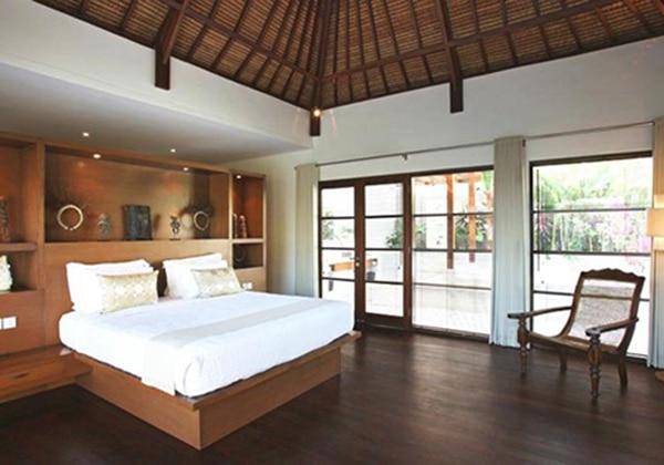 5 Bedroom beach chocolate villas