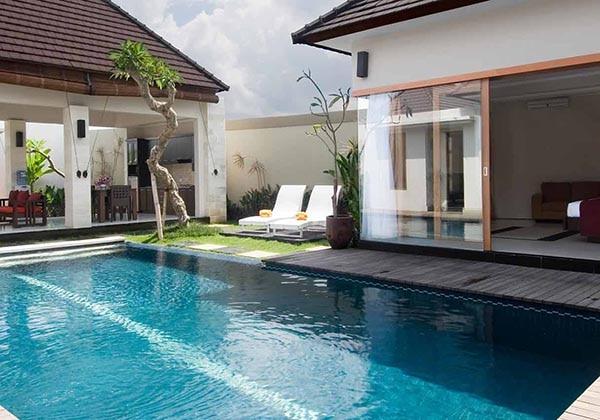Presidential Villa's Pool