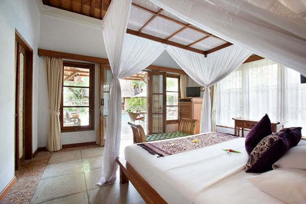 4 Bedrooms Pool Villa