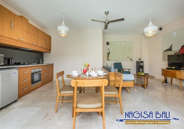 1 Bed Dining Area