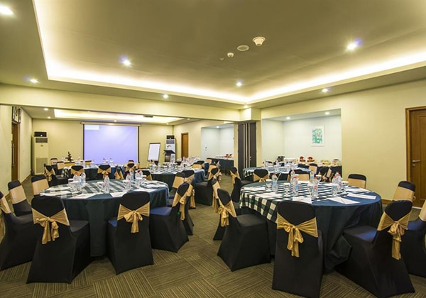 Pesamuan Round Table Setup