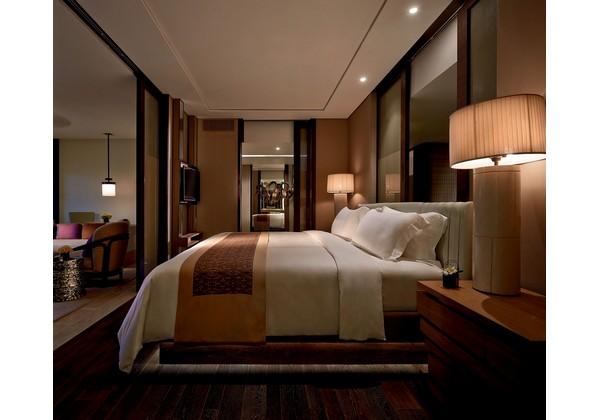 The Ritz-Carlton Suite (One Bedroom)