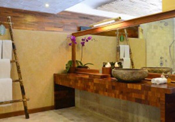 Barong Bathroom