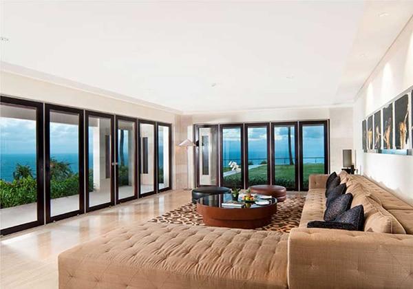The View Livingroom