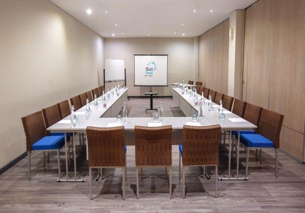 Meeting Room - Deep House