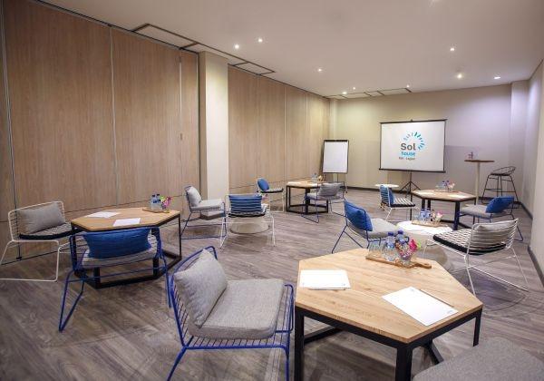 Meeting Room - Techno House