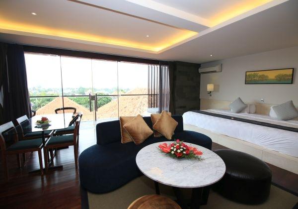 Premium Club Suite