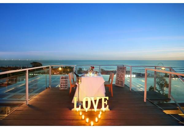 Romantic Dinner at Sun Deck