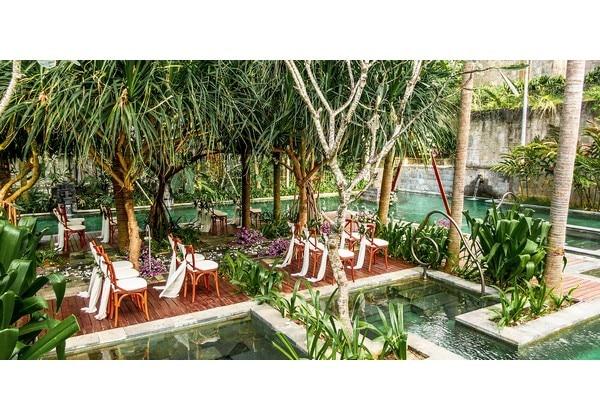 Wedding at Secret Garden Pool