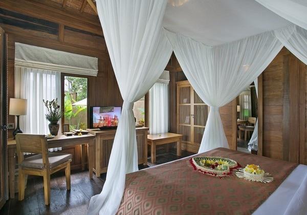 Wooden Pool Villa