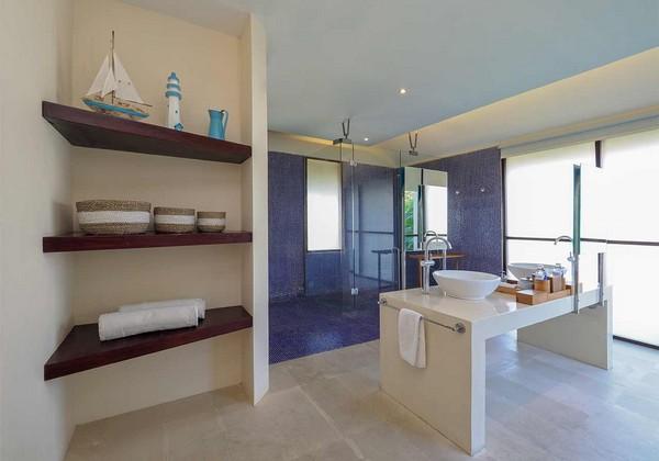 ocean View Suite - bathroom