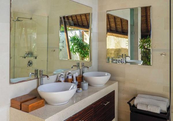 2 bedroom pool villa - bathroom