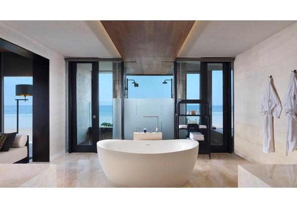 Ocean Front Prestige Suite