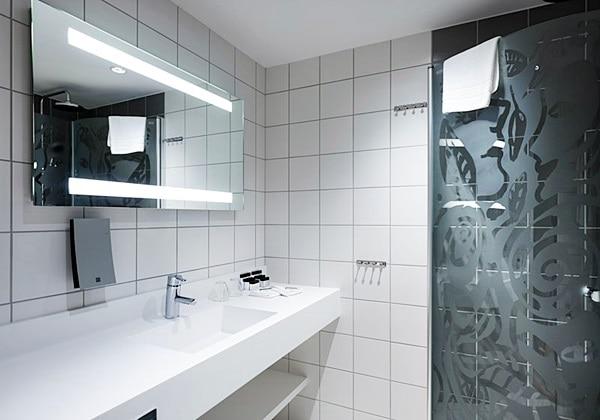 Sky Room Bathroom