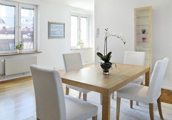 Apartment Dinner Table