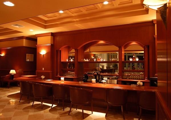 レストラン「AMIKA」