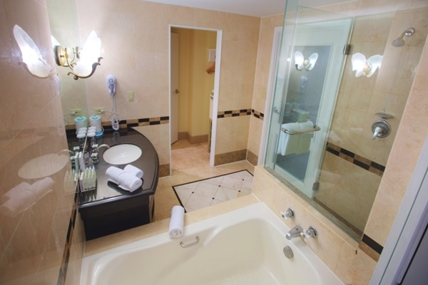 客室バスルーム一例