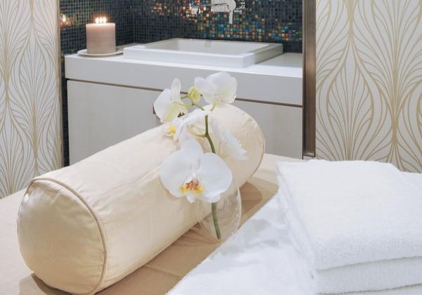 Massage cabin