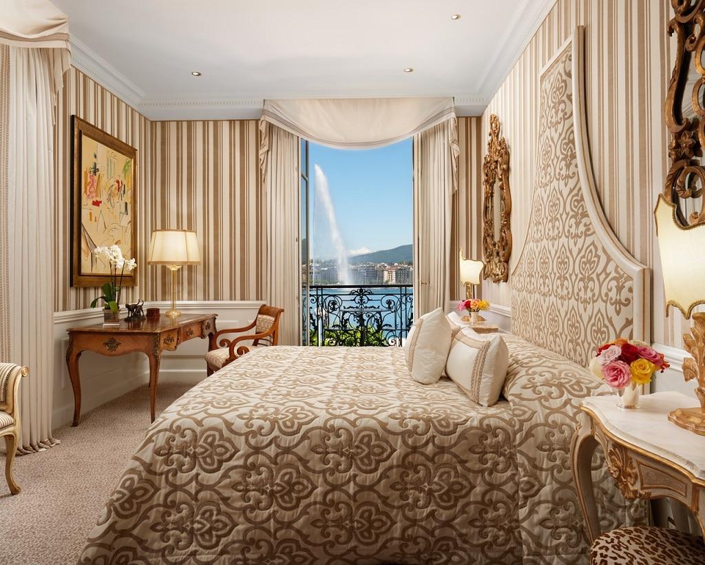 Bellevue Suite Lake View