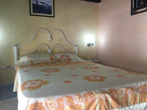 寝室(ベッド1台)