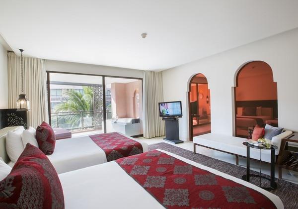 Oceanfront_suite