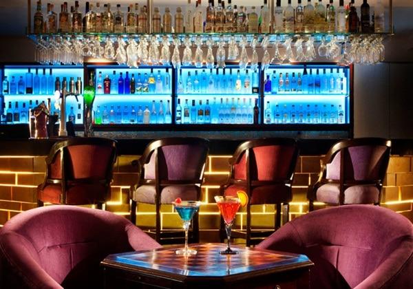 BAR:V bar & lounge