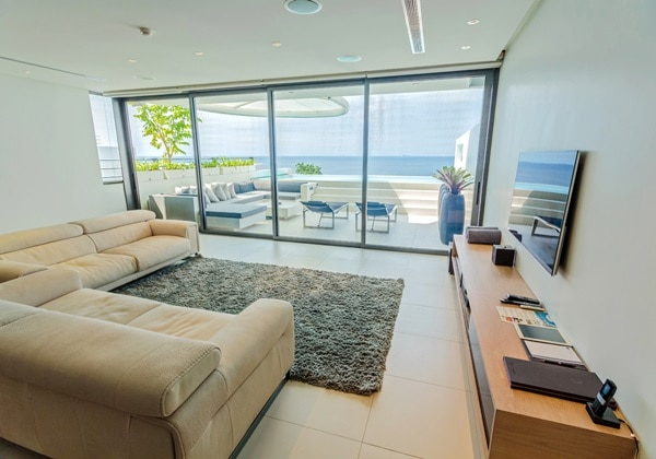 LIVING AREA(3 BEDROOM SKY VILLA)