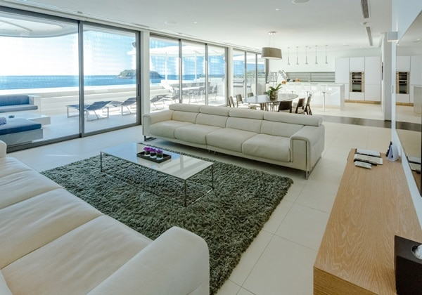 LIVING AREA(4 BEDROOM PENTHOUSE)