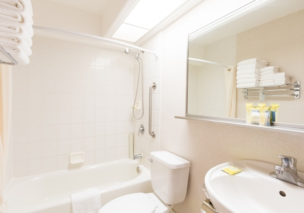 2Bedroom Suite Bathroom