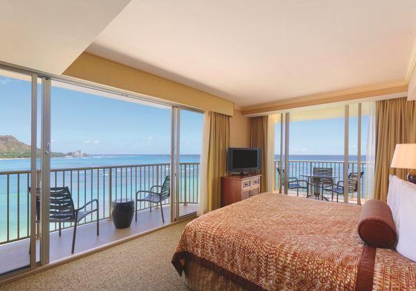 Club Ocean Front Suite