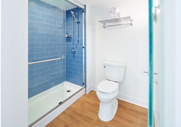 PacificTower 1kingbed bathroom